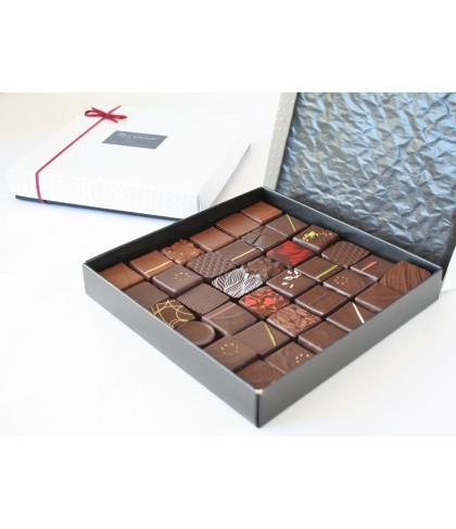 Boite plate de 36 chocolats noirs